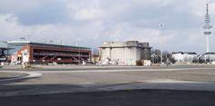 Heiligengeistfeld, von links nach rechts: Millerntorstadion, Flakturm, Heinrich-Hertz-Turm   Heiligengeistfeld (lit. field of the Holy Spirit), from left to right: Millerntor stadium, Flakturm (WW2 defensive tower), Heinrich Hertz tower (radio tower)   23/02/15