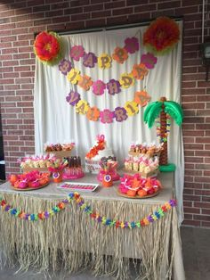 Hawaiian luau birthday party! See more party ideas at http://CatchMyParty.com! 3rd Birthday Parties, Happy Birthday For Kids, Ideas For Birthday Party, Birthday Banner Ideas, Kids Birthday Decorations, Luau Party Ideas For Adults, Party Themes For Kids, Hawaii Birthday Party, Moana Birthday Party Theme