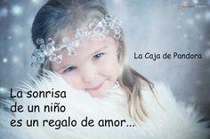 La sonrisa de un niño es un regalo de amor...