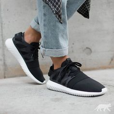 cheap for discount ceef4 70dfa ADIDAS TUBULAR VIRAL W (CORE BLACK  CORE BLACK  OFF WHITE)