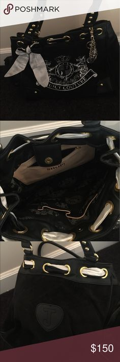 Black and white juicy couture purse like new Like new black and white juicy couture purse Juicy Couture Bags Shoulder Bags