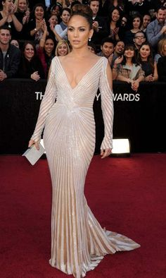 Jennifer Lopez at the Oscars 2012