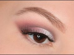 Pretty eye makeup.  Also tutorial for dealing with droopy, heavy-lidded eyes