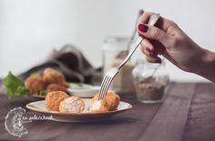 Tod mun goong to kolejna propozycja prosto z Tajlandii. Zapewniamy, że te delikatne placuszki z krewetek zasmakują nawet osobom, które nie przepadają za owocami morza :)   Przepis na to proste danie kuchni tajskiej na www.napaleczkach.pl   kuchnia tajska