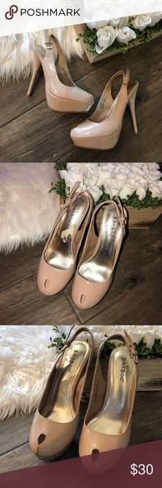 Bamboo Nude Heels Size 6.5, in perfect pre owned condition, no flaws! Perfect for spring/summer season. *****no modeling or trades***** BAMBOO Shoes Heels