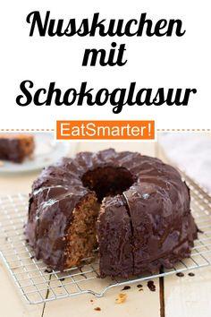 Saftiger Nusskuchen mit Schokoglasur | eatsmarter.de