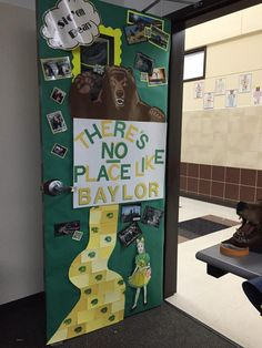 """College Week Door! There's no place like #Baylor!"""