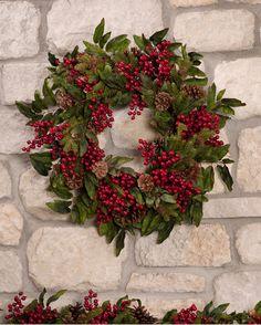 Decorations Christmas, Diy Christmas Ornaments, Holiday Wreaths, Christmas Holidays, Holiday Decorating, Artificial Christmas Wreaths, Christmas Trees, Corona Floral, Berry Wreath