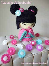 Livrea Handmade: Kokeshi amigurumi - schema free in italiano Amigurumi Patterns, Amigurumi Doll, Doll Patterns, Crochet Motif, Free Crochet, Crochet Patterns, Knitted Dolls, Crochet Dolls, Crochet Crafts