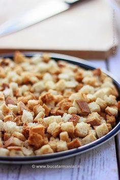 Cum se fac crutoanele de paine acasa, Reteta cea mai simpla. 30 Minute Meals, Feta, Macaroni And Cheese, Good Food, Cooking Recipes, Dishes, Breakfast, Ethnic Recipes, Blog