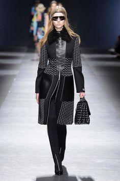 Коллекция Versace осень-зима 2016-2017 (58 фото)