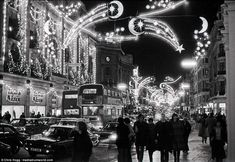 Of all the home businesses out there, Christmas Light Installation businesses may be one of the best kept secrets around. Most people think of hanging Christmas lights as a low paying, low potential, grunt work job, and therefore they Christmas Light Show, Hanging Christmas Lights, Christmas Past, Holiday Lights, Christmas Displays, Christmas Greetings, London Christmas, Christmas Scenes, Christmas Presents
