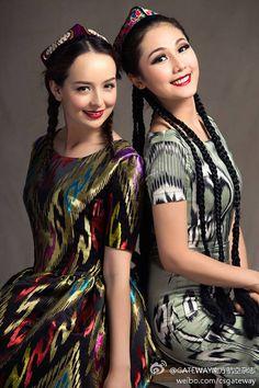 Minus head-dress perfect everyday dress, perfect hair. Uygur Türk kızları.