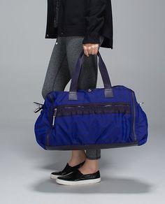 pretty Lululemon weekend warrior bag http://rstyle.me/n/tuqddr9te