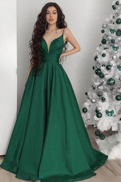 Emerald Green Dresses, Emerald Prom Dress, Forest Green Dresses, Gala Dresses, Green Satin, Formal Evening Dresses, Green Evening Dress, Mode Outfits, The Dress