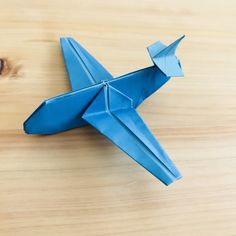 How to fold an origami airplane! Fold a plane like a passenger plane . - For boys - Origami Origami Design, Diy Origami, Origami Modular, Origami Star Box, Origami Paper Art, Origami Folding, Useful Origami, Origami Stars, Origami Ideas