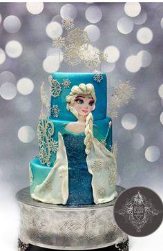 Disney frozen cake.