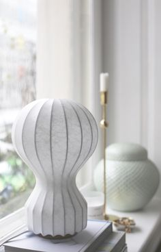 Lampe à poser Gatto Piccolo, de Pier Giacomo & Achille Castiglioni pour Flos | Photo: © inredningshjalpen.com