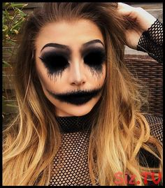 50 Scary Halloween Makeup Looks You Should Try This Year – Page 32 of 50 Das gruselige Halloween-Make-up sollte man dieses Jahr probieren. Halloween-Make-up; Halloween-Make-up-Ideen; Maquillage Halloween Clown, Creepy Halloween Makeup, Fröhliches Halloween, Simple Halloween Makeup, Scary Halloween Costumes, Beautiful Halloween Makeup, Women Halloween, Halloween Ideas For Men, Zipper Halloween Makeup