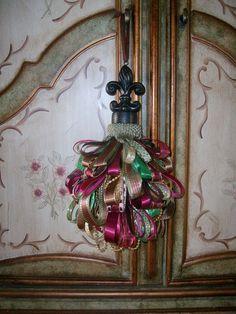 Victorian French Fleur de Lis Tassel