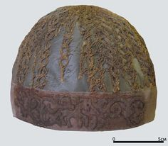 late 16th - early 17th century volosnik from Nizhny Novgorod . Red silk band embroidered in gilt thread, sprang net.