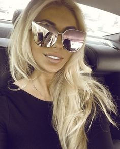 Cute Sunglasses, Mirrored Sunglasses, Sunglasses Women, Sunnies, Vintage Sunglasses, Barbie Princess, Pink Princess, Brown To Blonde Balayage, Fake Glasses