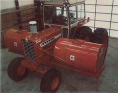 Nice pic of this Farmall set up. Case Ih Tractors, Big Tractors, Farmall Tractors, Red Tractor, International Tractors, International Harvester, Tractor Implements, Future Farms, Crawler Tractor