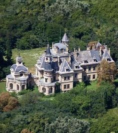 City People, Modern Mansion, Luxury Living, Abandoned Places, Budapest, Provence, Places To Visit, Europe, Adventure