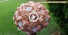 Broschen Bouquets, Diy Bouquet, Diy Wedding Flowers, Bling Wedding, Brooch Bouquet Tutorial, Wedding Brooch Bouquets, Diy Wedding Projects, Easy Diy, Brittany