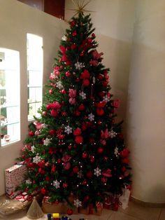 Gold Christmas Tree, Christmas 2019, Christmas Home, Christmas Tree Decorations, Holiday Decor, Handmade Christmas Gifts, Holidays, Christmas Things, Christmas Decor