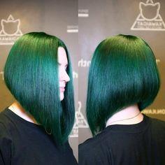 Graduated Haircut, Inverted Bob Haircuts, Bun Hairstyles For Long Hair, Green Hair, Cut And Color, Bob Cut, Short Hair Styles, Hair Cuts, Hair Color