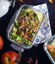 Soba Nudle s Brokolicí, Ořechy a Tempehem   Veganotic Tempeh, Tofu, Spring Rolls, Raw Vegan, Japchae, Healthy Cooking, Lunch, Asian, Snacks