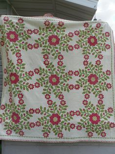 Antique Quilt. Whig Rose. Applique. 1800s. Double Sawtooth Border. Very Tiny Stitching. Etsy, rubisco