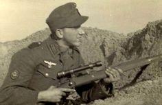 Gebirgsjäger Sniper with sniper rifle K98 version.