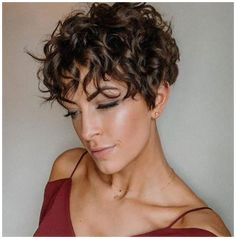 Pixie Cut Curly Hair, Pixie Haircut For Round Faces, Edgy Short Haircuts, Curly Pixie Hairstyles, Short Curly Pixie, Pixie Haircut For Thick Hair, Fine Curly Hair, Short Hairstyles For Thick Hair, Short Hair Cuts For Women