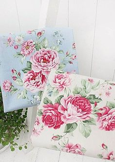 Large Roses 100% Cotton Fabric Large Rose Flowers Floral Quilting offcuts ff049