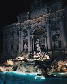 Citytrip Rome!  Bezoek Fontana di Trevi, Colosseo en geniet van heerlijke gelato.  4 dagen v/a €244
