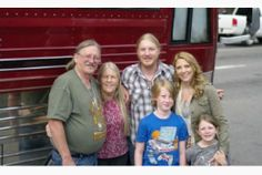 Derek Trucks and Susan Tedeschi cross Canada with their family on the tour bus en route to Toronto's Jazz Festival performance June Susan Tedeschi, Tedeschi Trucks Band, Derek Trucks, Allman Brothers, Jazz Festival, Cool Guitar, Rock And Roll, Road Trip, Blues