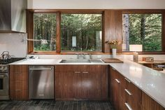 Contemporary single family house located in Arch Cape, Oregon, designed in 2018 by Colab Architecture & Urban Design. Interior Modern, Kitchen Interior, Home Design, Urban Design, Beautiful Space, Beautiful Homes, Elegant Kitchens, Contemporary Kitchens, Open Layout