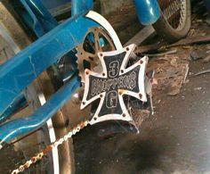 Maltese pedal