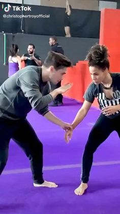Fitness Workouts, Gym Workout Tips, Workout Videos, Fitness Tips, Self Defense Moves, Self Defense Martial Arts, Martial Arts Techniques, Self Defense Techniques, Martial Arts Workout