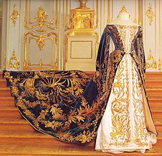 Court Dress of Grand Duchess Xenia Alexandrovna of Russia, (1875-1960), younger sister of Tsar Nicholas II, By Court Couturiére Mme. Olga Nicholaevna Bulbenkova ((1835-1918), St. Petersburg): 1894, velvet, silk, metallic thread.