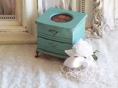 **********Shabby Chic Jewelry Box*************