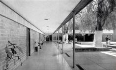 """unavidamoderna:  Patio con vista al corredor cubierto, Escuela Primaria """"Luz Bringas"""" Avenida San Lorenzo, Iztapalapa, México DF 1955 Arq. I..."""