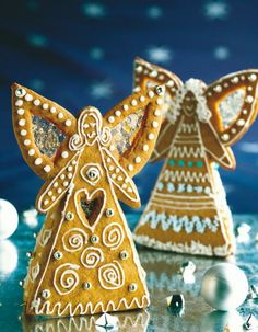 Gingerbread Angels How To's ~ Finnish Piparienkeli Christmas Gingerbread House, Gingerbread Cake, Christmas Mood, Christmas Makes, All Things Christmas, Christmas Crafts, Christmas Decorations, Holiday, Gingerbread Houses