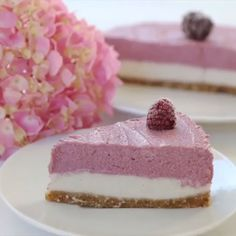 Veganer Himbeere Cheesecake No Bake, Raw Raspberry Cheesecake gesund, ohne weissen Zucker, laktosefrei, vegan, vegan backen, Raw Cake, gesund, gesunder Kuchen, gesunde Rezepte #rawcake #cheesecake #vegan #mrsflury