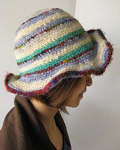 ワイヤー入りのウール&シルク編みハット
