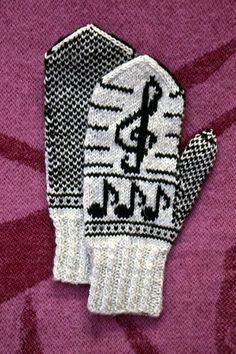 Februarvotter / Februar / February by MaBe Mittens Pattern, Knitted Gloves, Knitting Socks, Hand Knitting, Knitting Patterns, C2c Crochet, Wrist Warmers, Mittens, Ganchillo