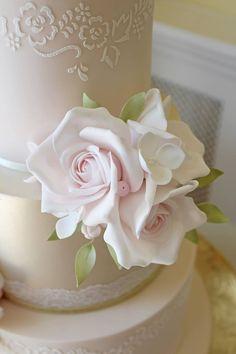 Sugar Flowers, Wedding Cakes, Desserts, Weddings, Organization, Wedding Gown Cakes, Tailgate Desserts, Deserts, Cake Wedding