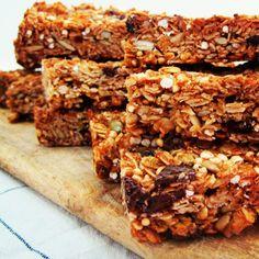 All Goodness Muesli Bars: Baked Snacks Recipes Recipe Using Muesli, Healthy Muesli Bar Recipe, Homemade Muesli Bars, Healthy Bars, Healthy Baking, Healthy Slices, Healthy Granola Bars, Museli Bar Recipe, Health Desserts